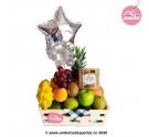 Canasta de frutas con chocolates